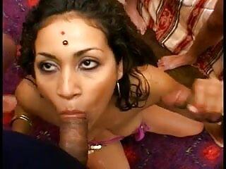 अद्भुत स्तन हिंदी सेक्सी मूवी एचडी फुल के साथ मोटी सुंदरता बिस्तर में खाया उसकी बिल्ली हो जाता है